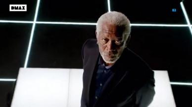 Morgan Freeman cambia el telescopio por la lupa