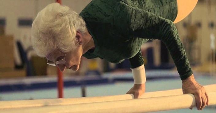 Johanna Quaas: l'àvia gimnasta que triomfa a la xarxa