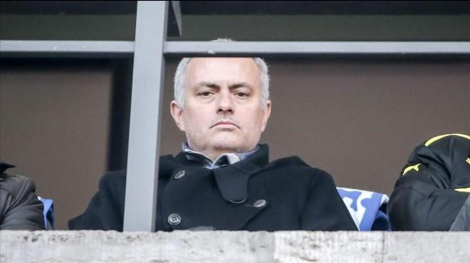 Mourinho, en las gradas para ver el del Hertha-Dortmund.