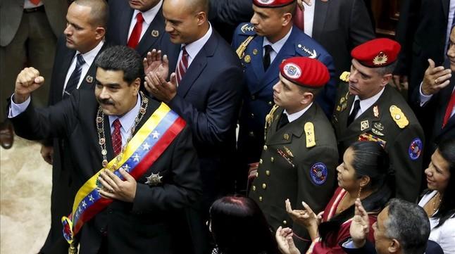 Maduro pide a la oposición que apoye el plan de emergencia económica para preservar la paz