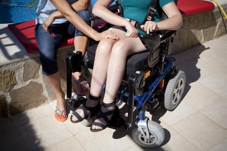 Menor discapacitado afectado por los recortes de la ley de la dependencia.