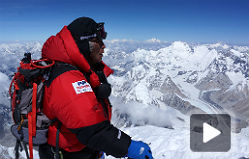 Un japon�s de 80 a�os corona el Everest