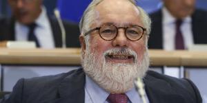 Ca�ete se somete al examen del Parlamento Europeo