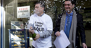 Administraci�n de loter�a de L'Hospitalet que ha repartido el segundo premio de Navidad