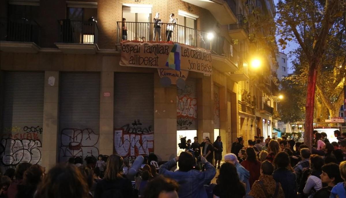 fcasals36028391 barcelona 24 10 2016 barcelona fiesta contra el desalojo 161024192709