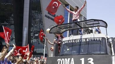 Intent de cop d'Estat: una nit molt llarga per a la democràcia turca