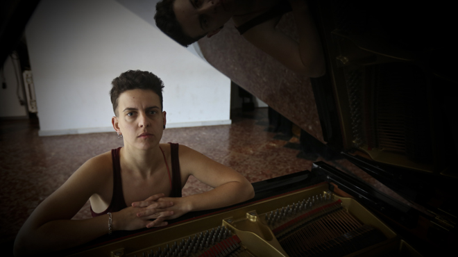 Clara Peya, pianista y compositora.