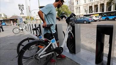 Madrid desprivatiza el 'bicing' pel seu mal funcionament