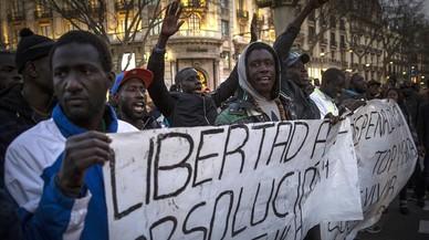 """Els manters protesten contra la condemna """"injusta"""" al company que va agredir un policia"""