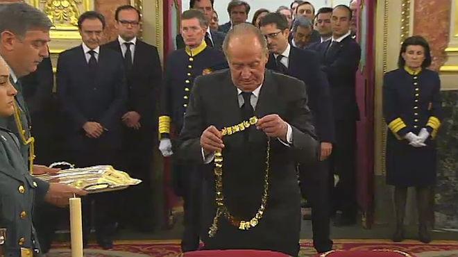 El Govern atorga a Suárez el Collar de Carles III