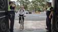 L'alcalde de València arriba en bici a l'ajuntament