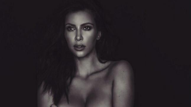 Kim Kardashian vuelve a mostrarse desnuda