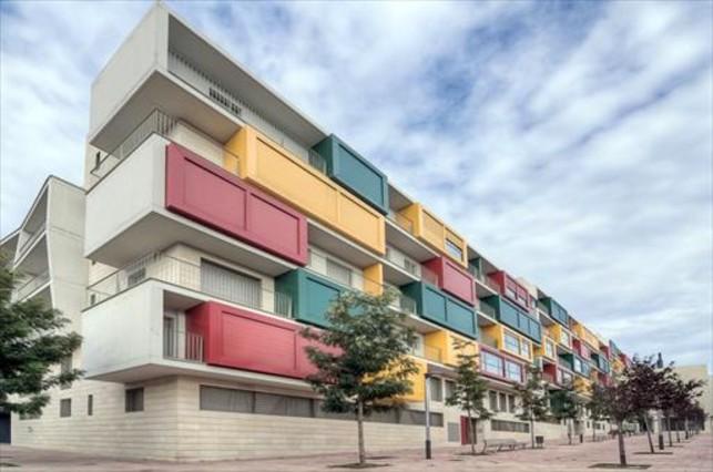Grandes inversores piden a la banca que frene la venta de pisos - La caixa pisos en venta ...