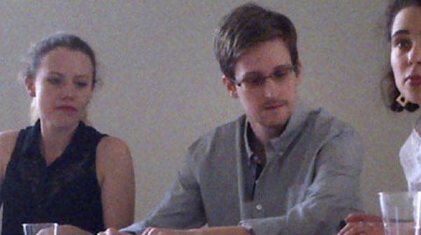 Snowden demana asil a Rússia perquè no pot viatjar a Llatinoamèrica