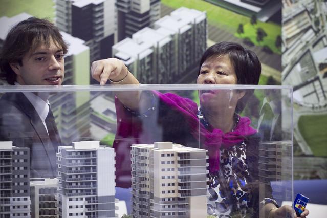 Espa a intenta vender sus pisos en china for Pisos asiaticas barcelona