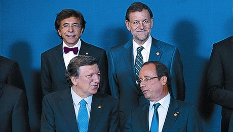 Di Rupo, Rajoy, Barroso y Hollande, ayer en Bruselas.