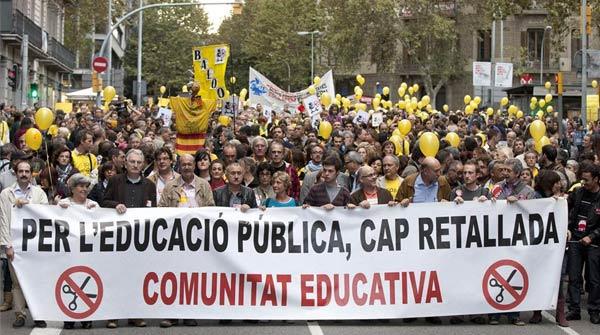 Manifestació contra les retallades en leducació