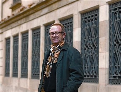Lector del divino marqués 8 El escritor tarraconense, ayer en Barcelona.