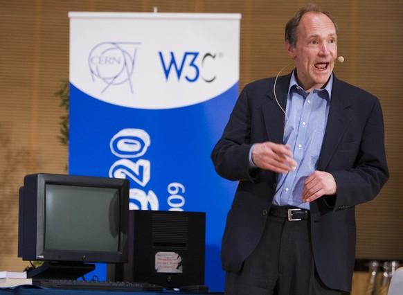 Tim Berners-Lee, creador de la primera pàgina web de la història, durant una conferència a Ginebra.