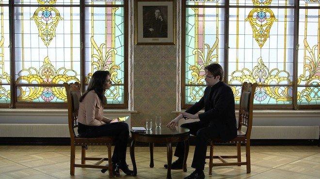 Ana Pastor entrevista Edward Snowden a 'El objetivo'