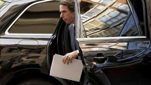 José María Aznar a su llegada a la conferencia de FAES en Madrid.