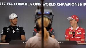 Hamilton (izquierda) y Vettel, en la rueda de prensa de este jueves en Spielberg.