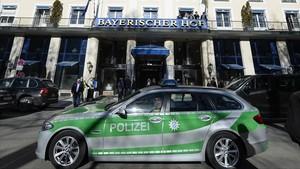 zentauroepp37316634 a police car passes the bayerischer hof hotel in munich sou171126161331