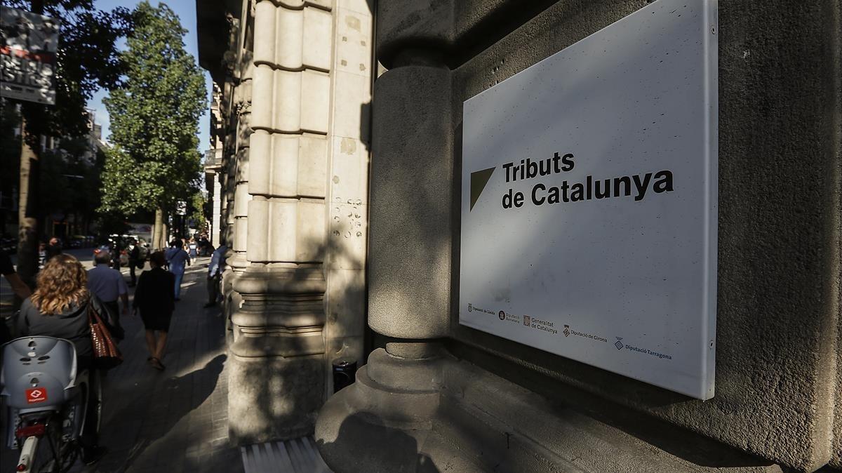 Una imagen de la fachada de la Agència Tributària Catalana, en la calle Fontanella de Barcelona.