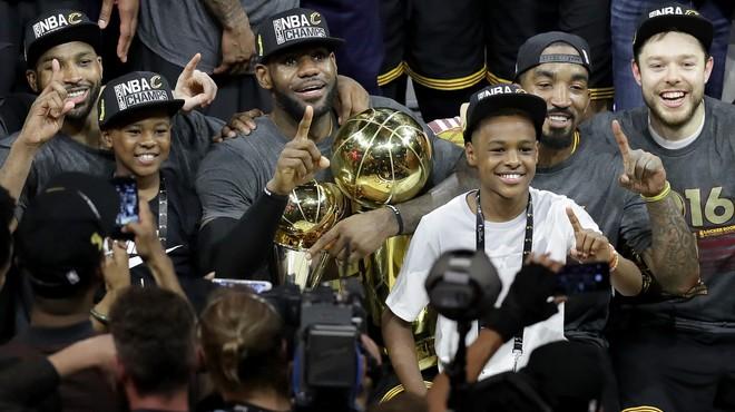 Cleveland aconsegueix la proesa i s'emporta el títol de la NBA