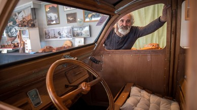 Un ebenista retirat francès es construeix un Citroën 2CV