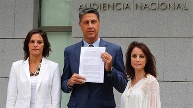 """El PPC denuncia la CUP davant el fiscal per """"ofendre"""" amb la crema de banderes"""