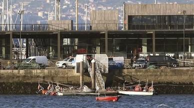 Ascienden a tres los muertos tras chocar un pesquero con una batea en Pontevedra