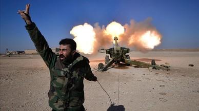 Las fuerzas iraquís, apoyadas por la coalición internacional, siguen con la ofensiva contra los barrios de Mosul que controla el Estado Islámico.