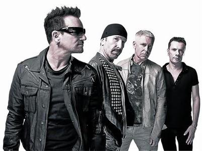 Bono, The Edge, Adam Clayton y Larry Mullen, en una imagen promocional.