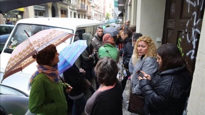 Els regidors Jaume Asens i Gala Pin demanen ajuda per parar tres desnonaments
