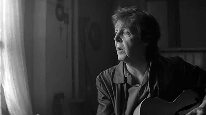 Johnny Depp toca en el nou vídeo de Paul McCartney