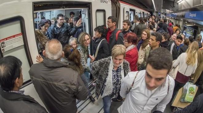 Bus i metro es conjuren en el primer gran pols del transport públic a Colau