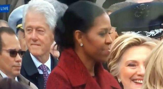 El gest de Bill Clintonque no va agradar a Hillary, en la presa de possessió de Donald Trump,divendres.