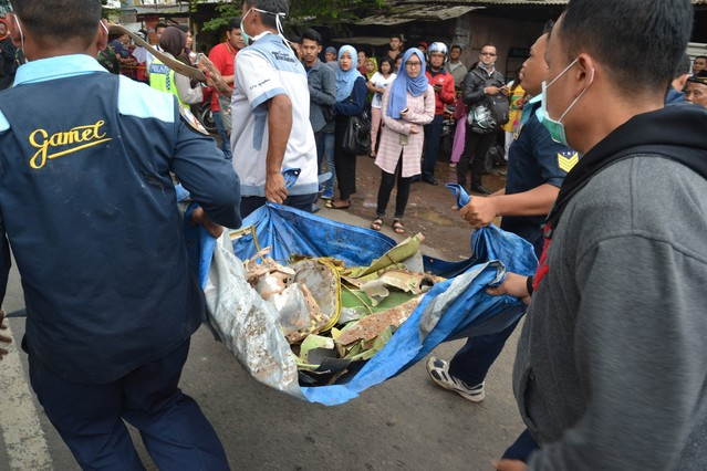 Tres muertos y un desaparecido en un accidente de avi�n en Indonesia
