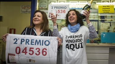 Una lotera reparteix el segon a València un mes després de comprar l'administració