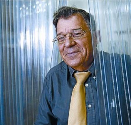 Luis Herrero: «Igual, no sé, es la primera novela escrita en Mercabarna»