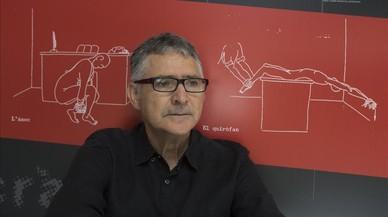 Dom�nec Mart�nez, delante de un panel de la exposici�n 'Aix� em va passar. De tortures i d'impunitats 1960-1978, en el recinto del Born.