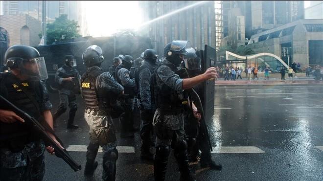 El Partit dels Treballadors del Brasil surt al carrer a defensar Rousseff i Lula