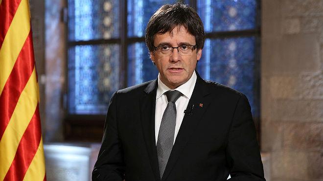 Puigdemont reafirma su compromiso con el referéndum en el calendario previsto