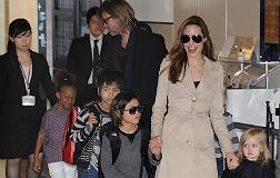 Pitt ficha a otro abogado estrella para defenderse de Angelina Jolie