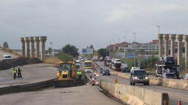 Comencen, per fi, les obres per reobrir el vial d'accés a Sant Boi des de la C-245