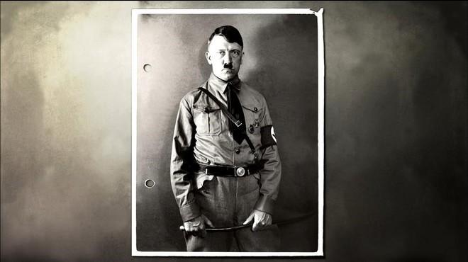 Hitler només tenia un testicle