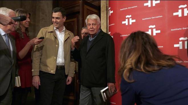 """Felipe González respon a Pablo Iglesias: """"No sé per què té aquesta càrrega de ràbia i odi"""""""