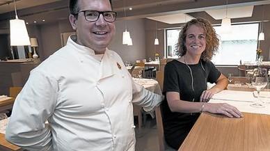 Xavi Ferrat� y Alba Roig, en el luminoso comedor del nuevo Bresca.