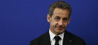 Sarkozy anuncia que vuelve a la pol�tica activa